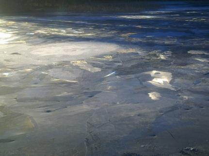 broken-ice-1